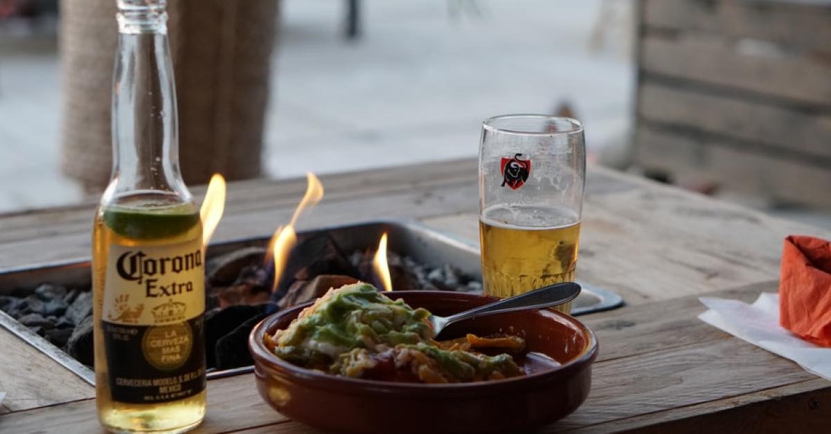 STUDIU Românii și berea: interesul femeilor pentru bere este în creștere