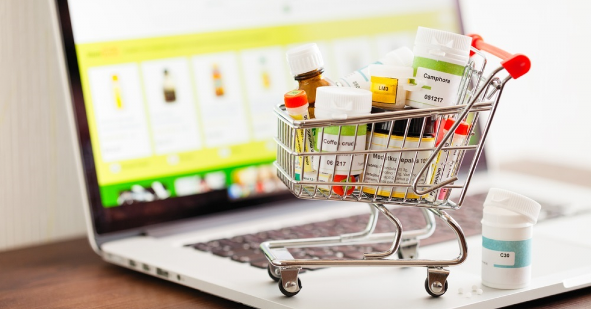 Farmacii online cu livrare la domiciliu: de unde poți cumpăra medicamente fără să stai la cozi