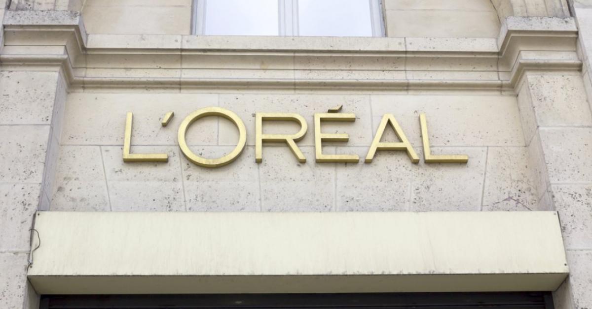 L'Oréal România va folosi ambalaje din plastic reciclat și va avea o flotă auto hibridă