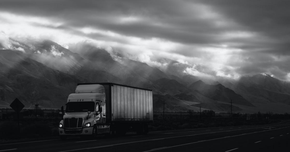 Lipsa șoferilor de camioane creează probleme în lanțul de aprovizionare al Marii Britanii și în statele UE