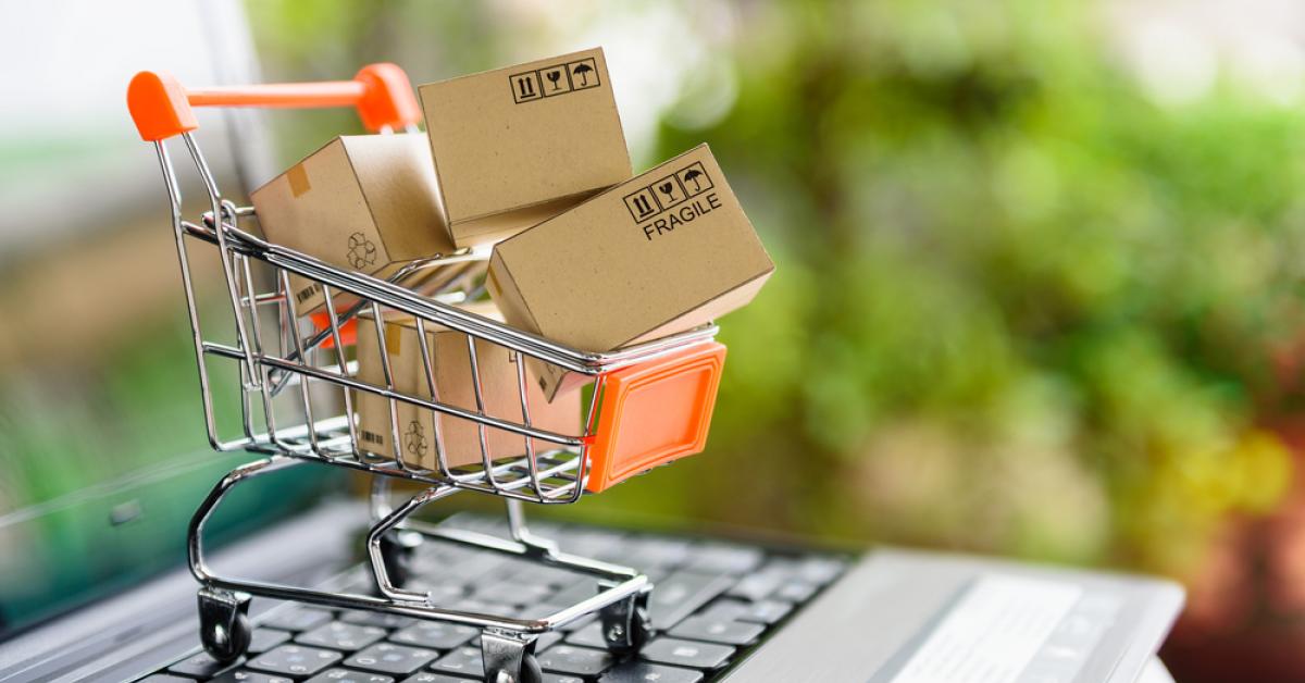 Cum poți vinde pe eMAG Marketplace: ce pași să urmezi ca să devii partener online