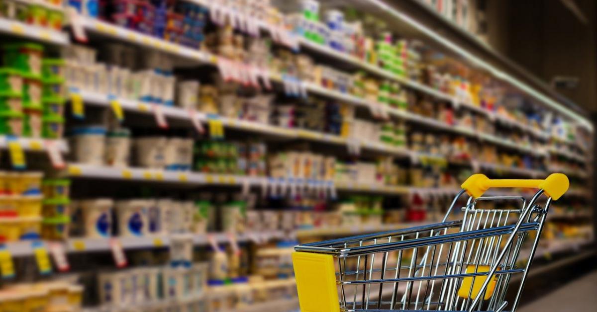 Jurnal de vânzări pe timp de pandemie: După Paște, românii au cumpărat tot mai multe semipreparate, alcool și țigări