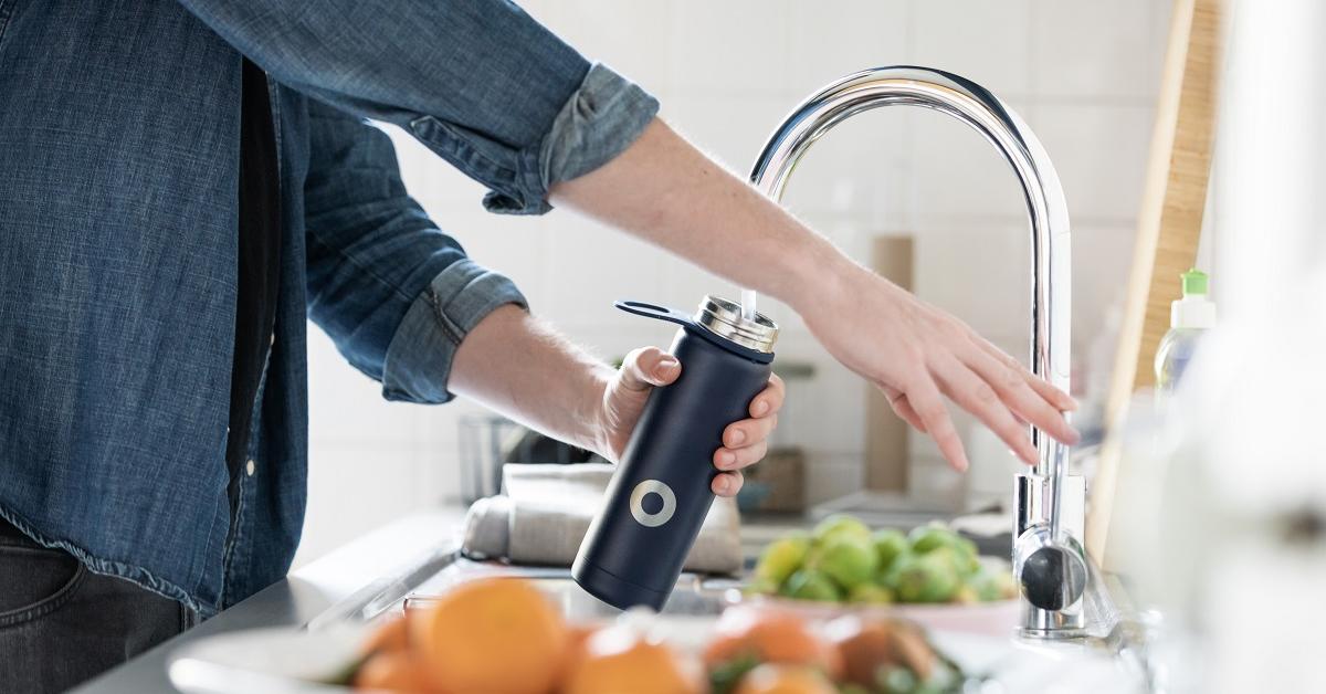 Apă gratis: 39 de locații din București oferă apă filtrată persoanelor cu propria sticlă reutilizabilă