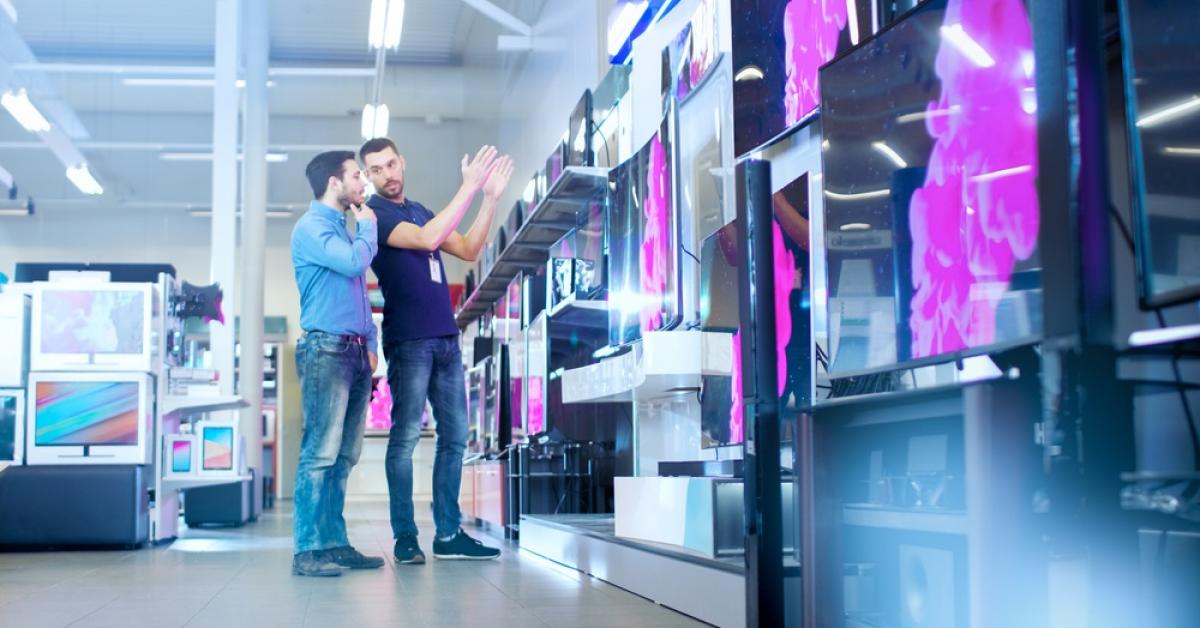 Românii și electronicele: 1 din 2 consumatori optează pentru branduri cu prețuri de mijloc
