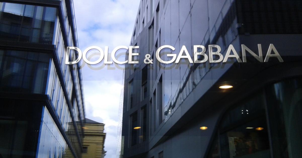 Digitalizarea din pandemie a Dolce & Gabbana i-a permis companiei să intre pe piața din România, cu vânzări online în creștere