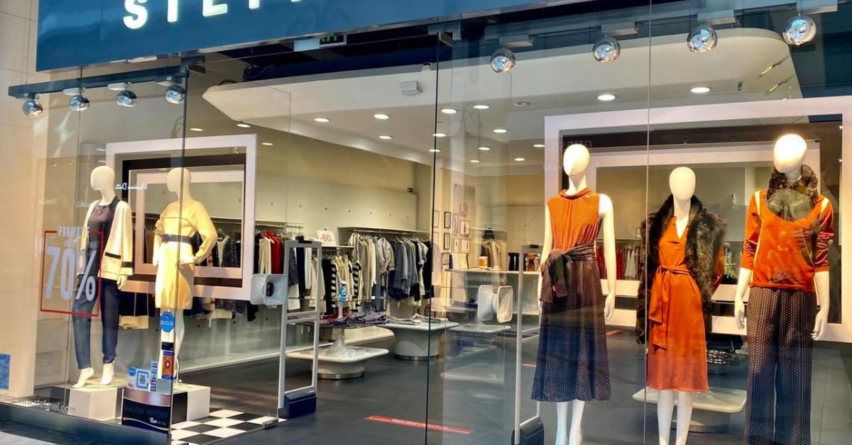 Stefanel, primul retailer internațional de fashion intrat pe piața locală, închide toate magazinele și iese din România