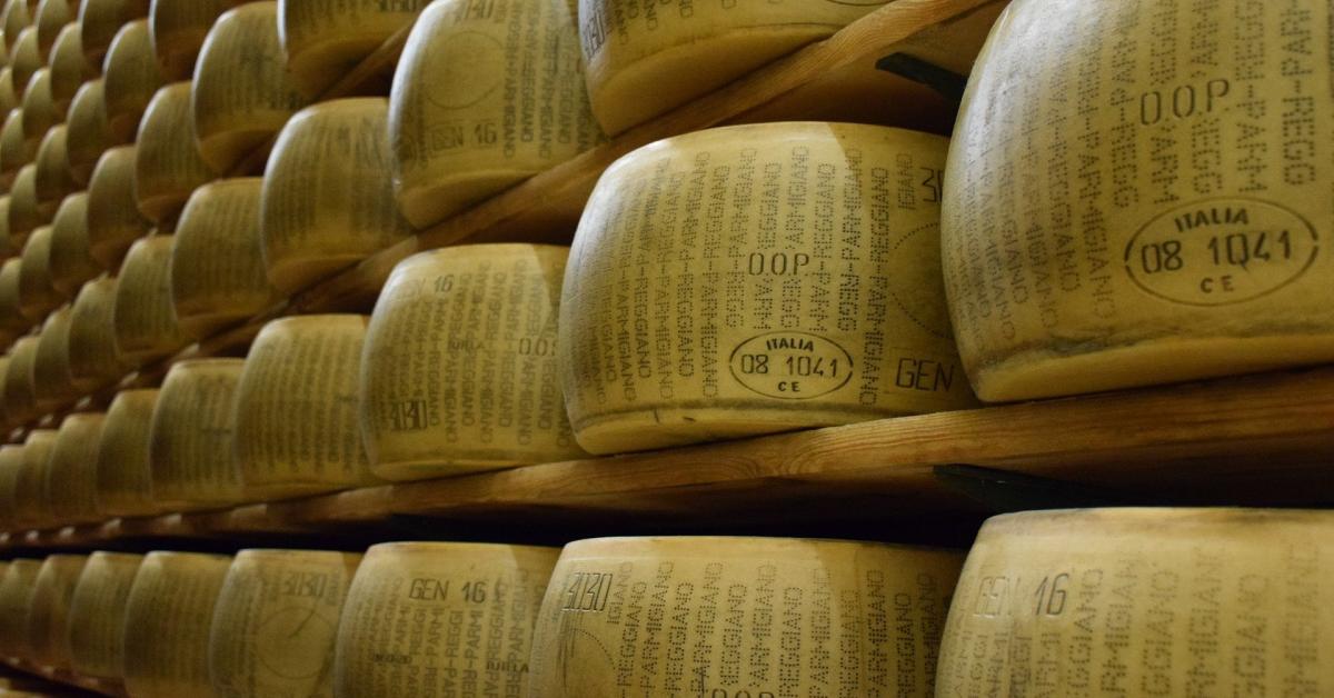 Producția de Grana Padano a crescut pe timpul pandemiei. Aproape 3 milioane de roți de brânză vândute, în Italia